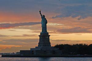 statue_liberty_sunset