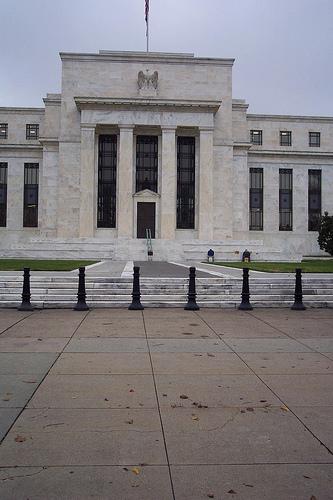 Federal_Reserve_entrance