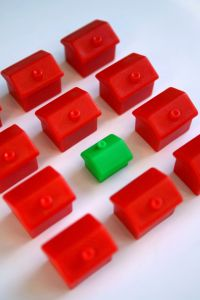 red_houses_green_house