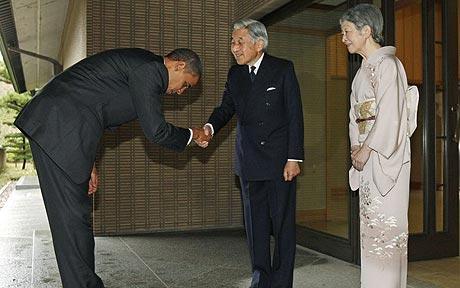 obama_bows_emperor