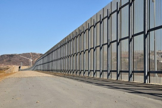 US_Mexican_Border_Fence