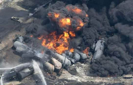 derailed_tankers_on_fire