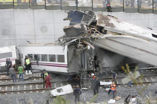 train_wreck_spain_rescue