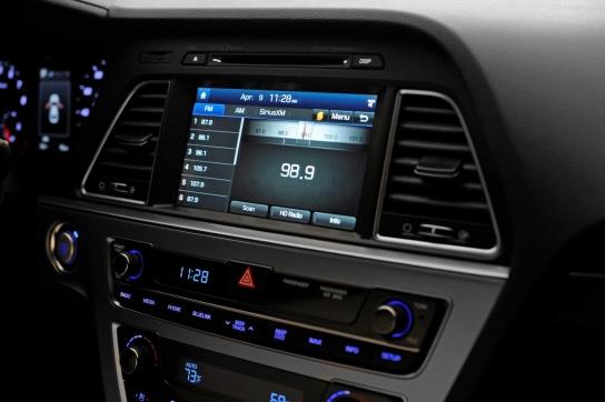 2015-Hyundai-Sonata-USA37