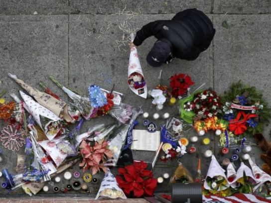 ap_nypd_officers_shot_memorial_1_jt_141221_4x3_992