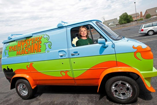 hillary-clinton-mystery-machine
