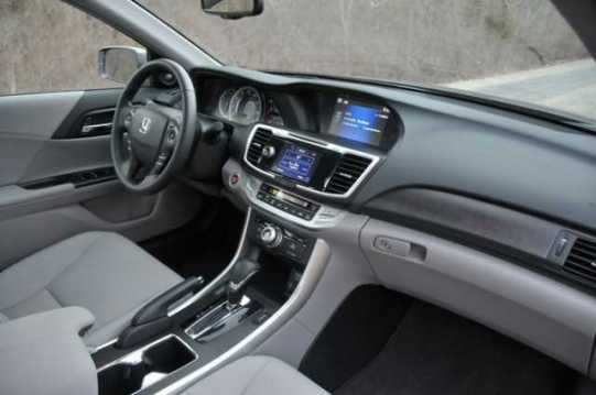 2016-Honda-Accord-Sedan-interior
